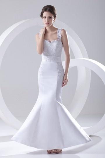 Vestido de noiva sereia decote em coração decorado apliques
