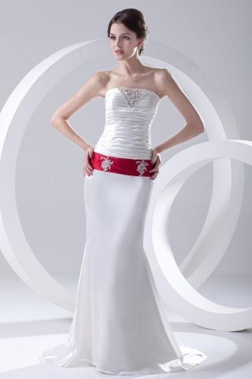Vestido de noiva bustiê pregueado em cetim decorado de apliques
