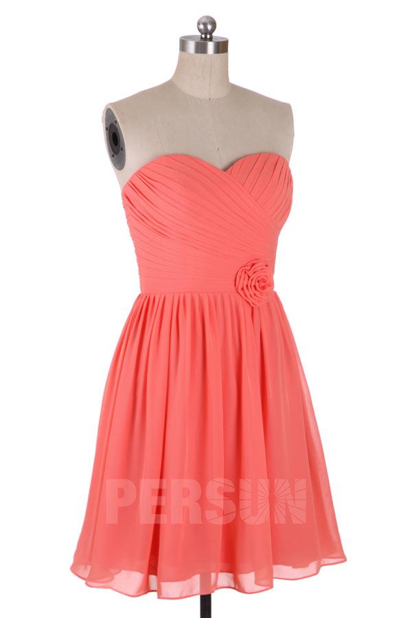 robe de cocktail courte corail bustier coeur plissé embelli de fleurs