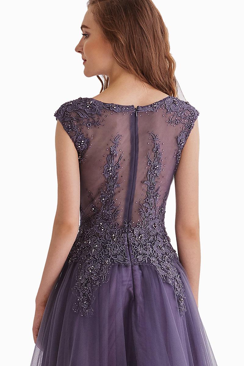 Robe de soirée longue violette haut illusion appliquée de guipure & strass