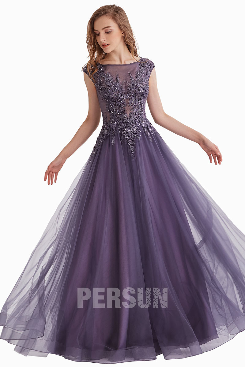 robe de soirée violette longue col illusion en dentelle appliquée florale
