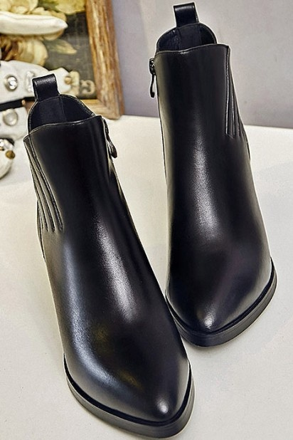 bottine noir femme en cuir pointu