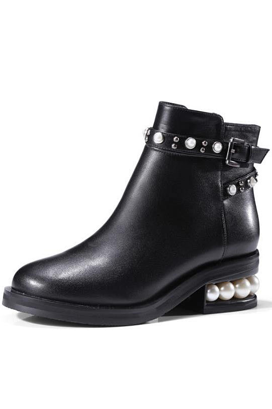 bottines noire moderne embelli de perles et de boucle talon épais