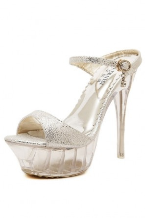 Sandale argentée brillant à plateforme et talon aiguille transparent