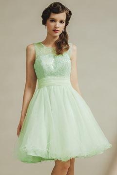 Robe de soirée délicate de couleur vert pastel en tulle