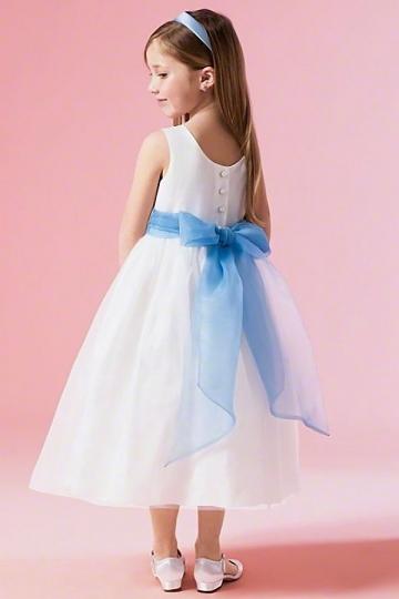 Robe cortège fille princesse encolure ovale ornée de noeud