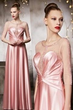 Robe longue de soirée haute couture rose à dos transparent