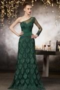 Robe de soirée verte en dentelle à superbe application ornementale