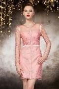 Belle robe de soirée haute couture en rose à manche longue