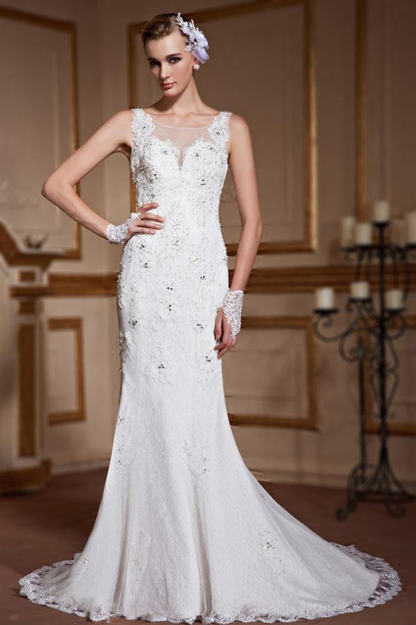 robe de mariée sirène en dentelle appliquée embelli de strass col rond illusion