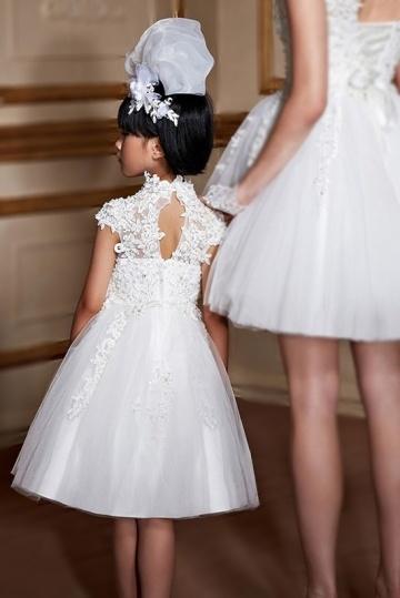 2d8f9a6179196 Robe cortège fille princesse col montant en dentelle guipure - Persun.fr