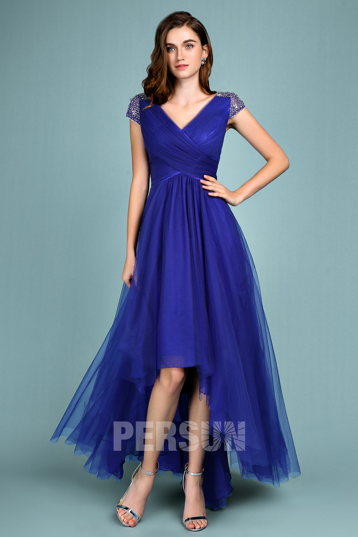 robe de soirée 2019 bleu roi courte devant longue derrière col v à manches courte ornée de strass délicat