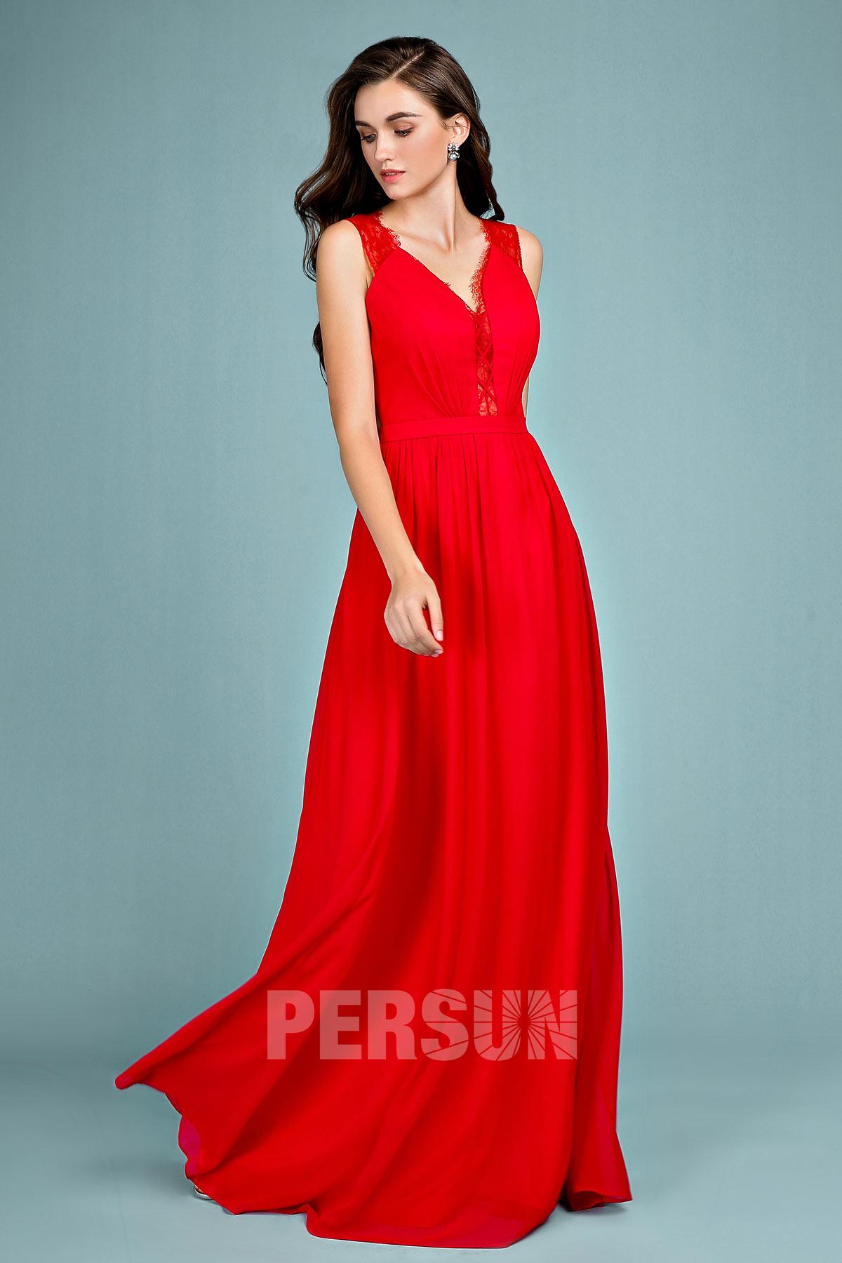 robe de soirée rouge longue col v en dentelle transparente