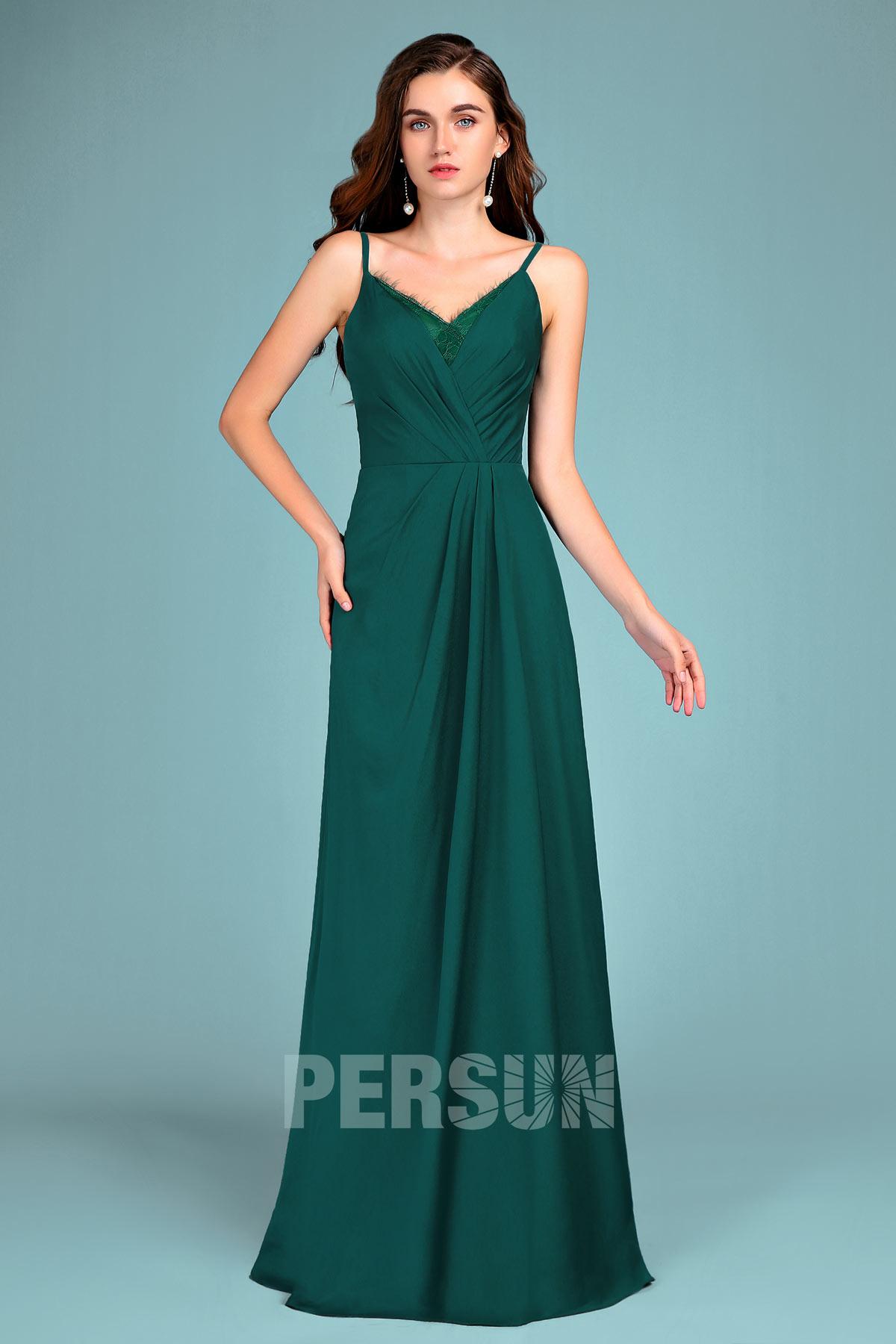 robe de soirée longue vert sapin col v embelli de dentelle à bretelle