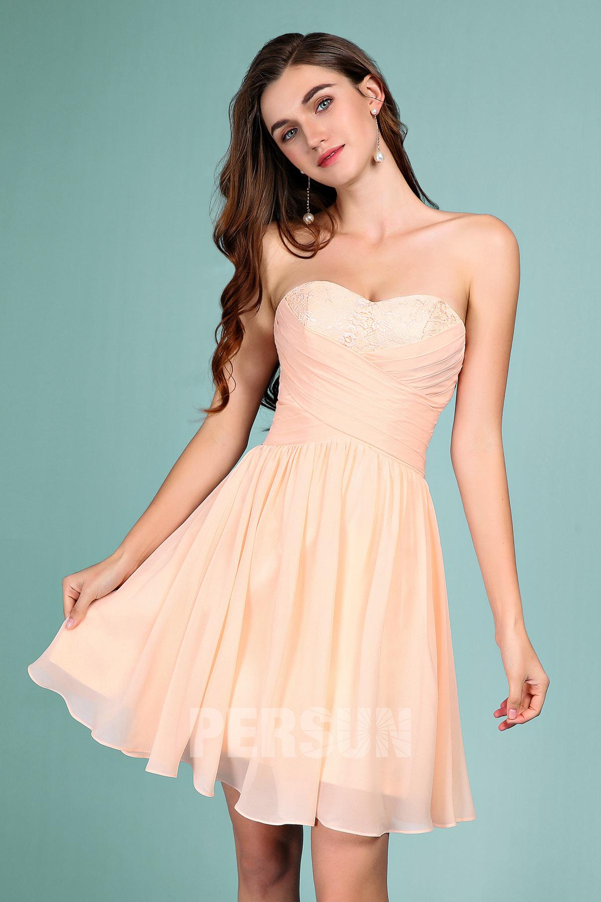 robe de soirée courte nude bustier coeur embelli de dentelle plissé