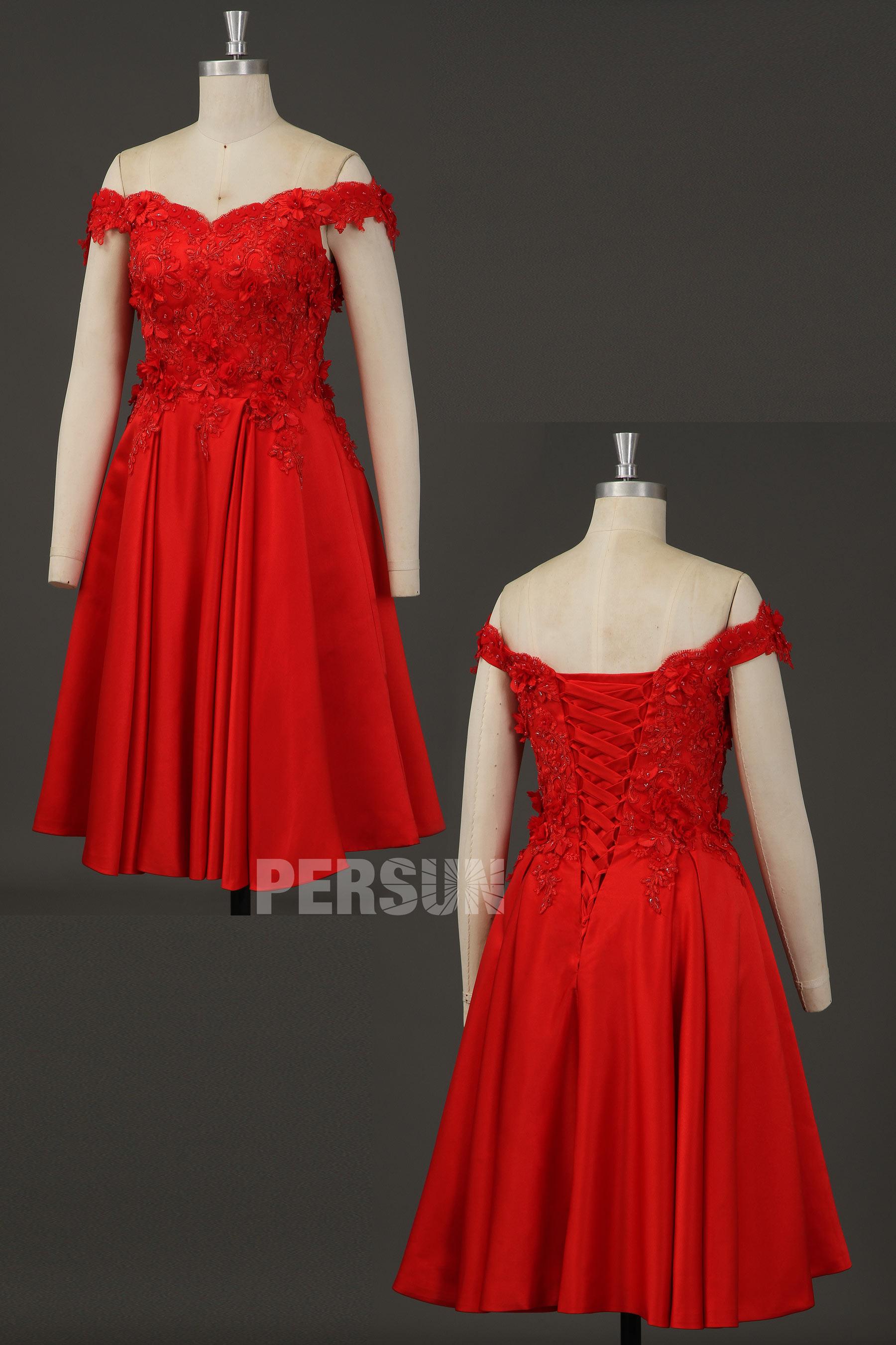 robe de cocktail courte rouge épaule dénudée embelli de fleurs et strass
