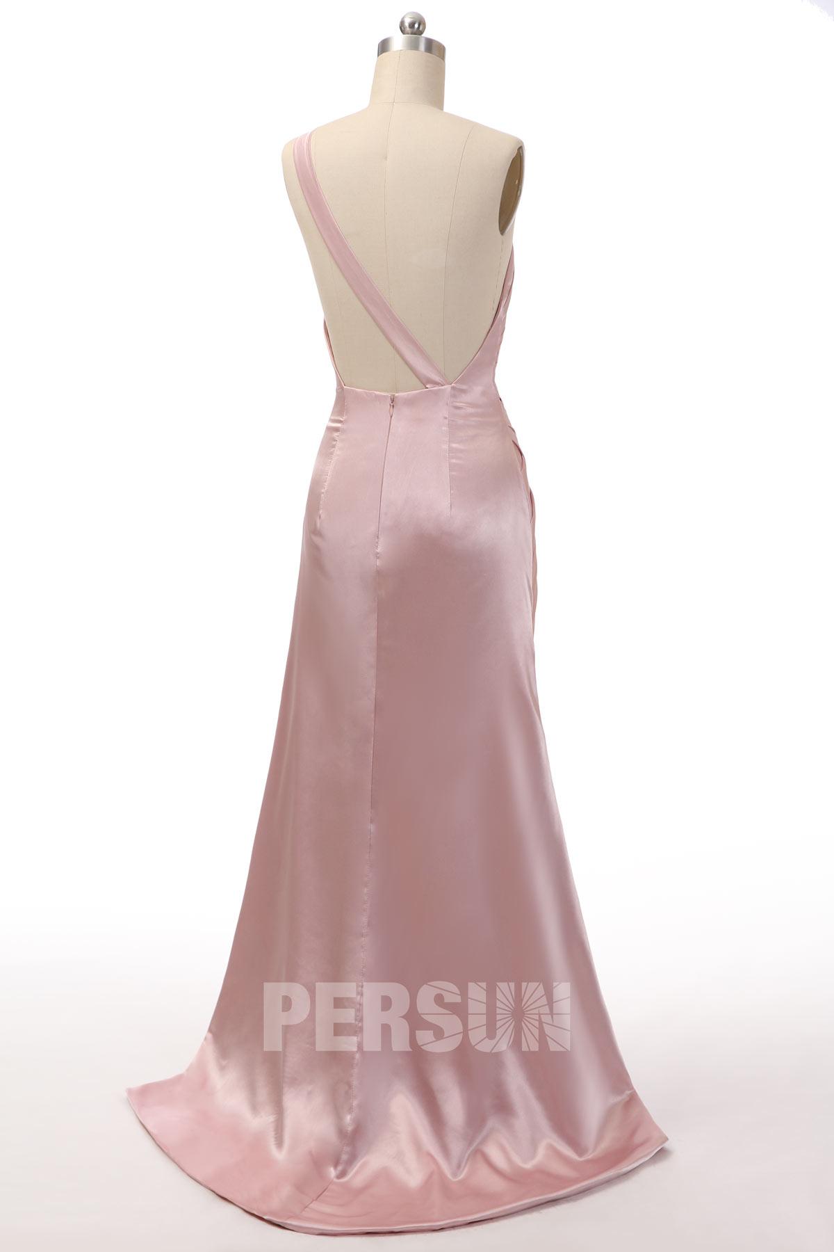 Robe de célébrité Delilah Belle Hamlin rose pâle asymétrique fendue