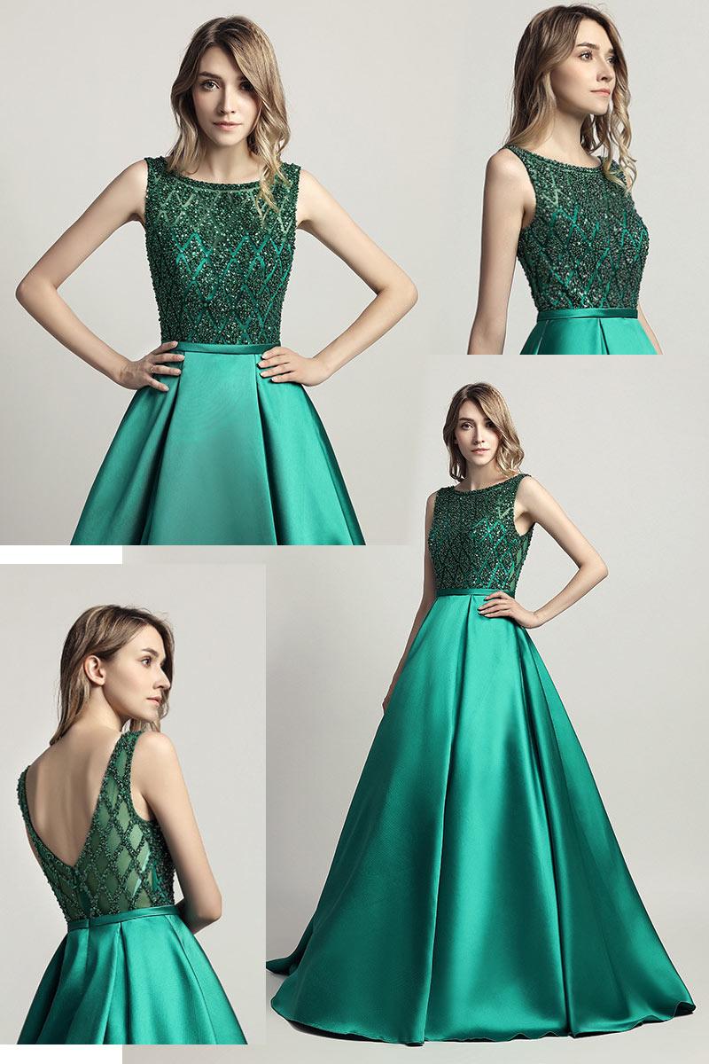 robe de soirée longue princesse vert haut embelli de bijoux dos ouvert