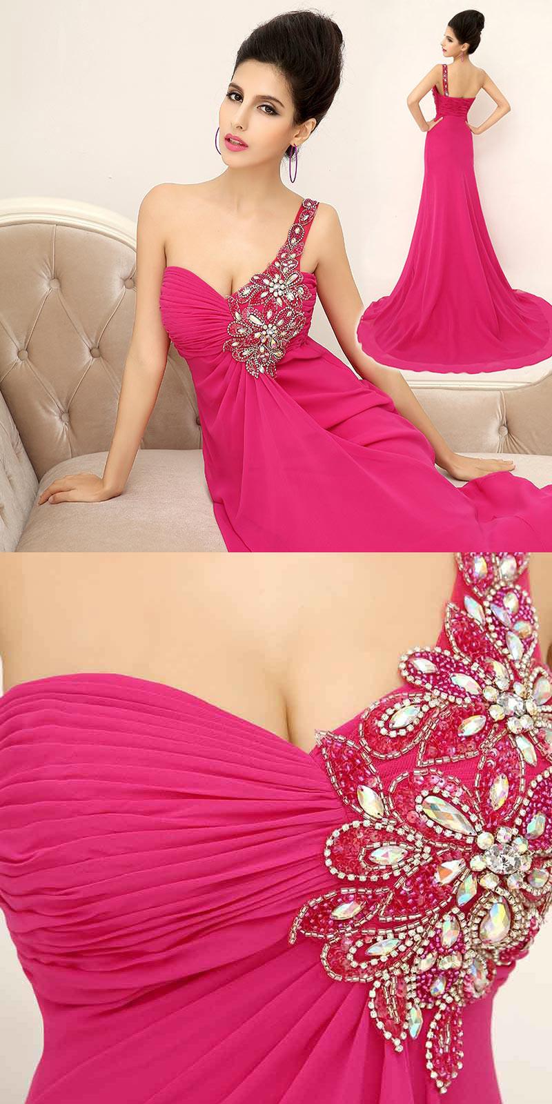 robe de soirée rose fuchsia ornée de bijoux