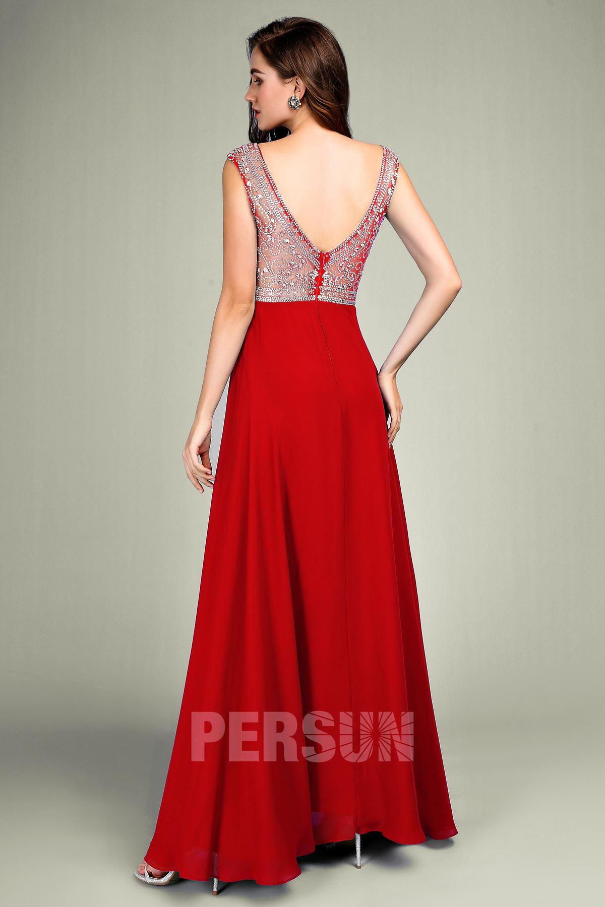 Robe rouge de soirée longue style baroque à haut orné de strass brillant