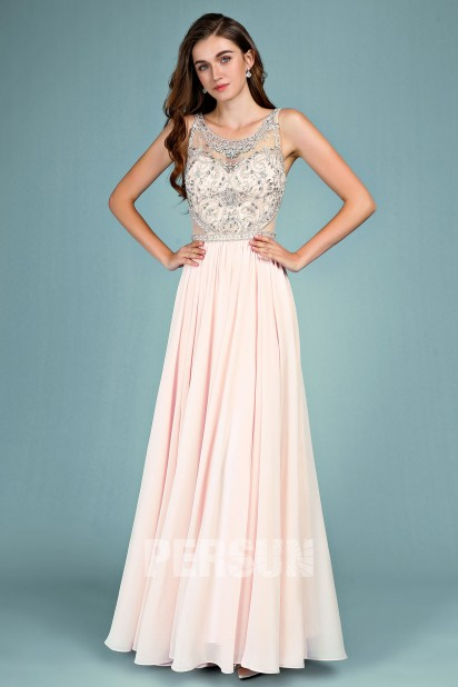 Robe de soirée rose nude longue haut embelli de bijoux jeu transparent