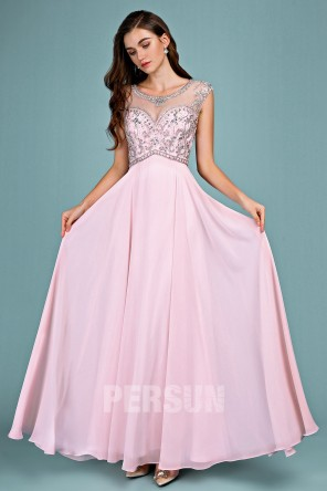 Robe de soirée rose longue haut embelli de bijoux scintillant