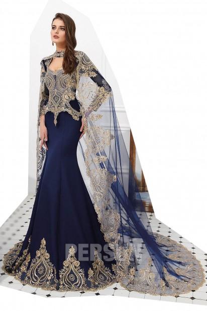 Anju : Robe de mariée rouge style indien manche longue guipure dorée
