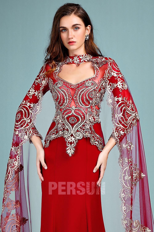 Robe de cérémonie rouge trompette manche longue dentelle guipure rebrodée