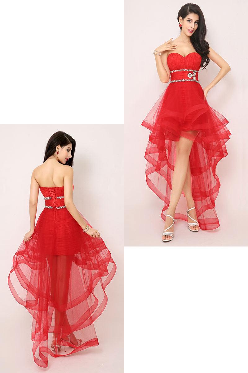 robe de cocktail rouge courte devant longue derrière bustier coeur plissé embelli de bijoux