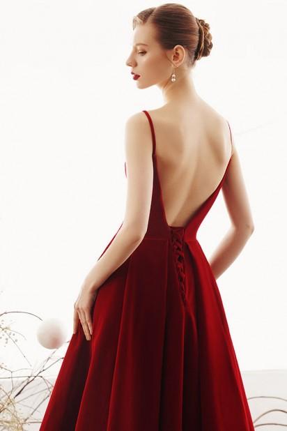 Robe rétro rouge bordeaux velours dos dénudé pour soirée mariage