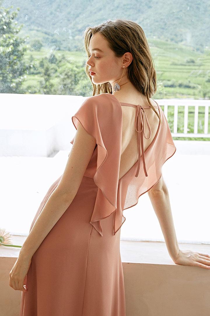 Robe longue bohème pour cortège mariage vieux rose dos ouvert à volants