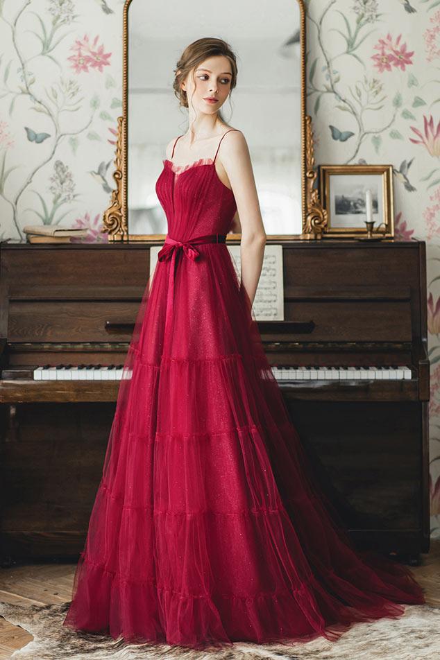 robe de mariée rubis col v doublure en paillette à bretelle fine avec ceinture en velours