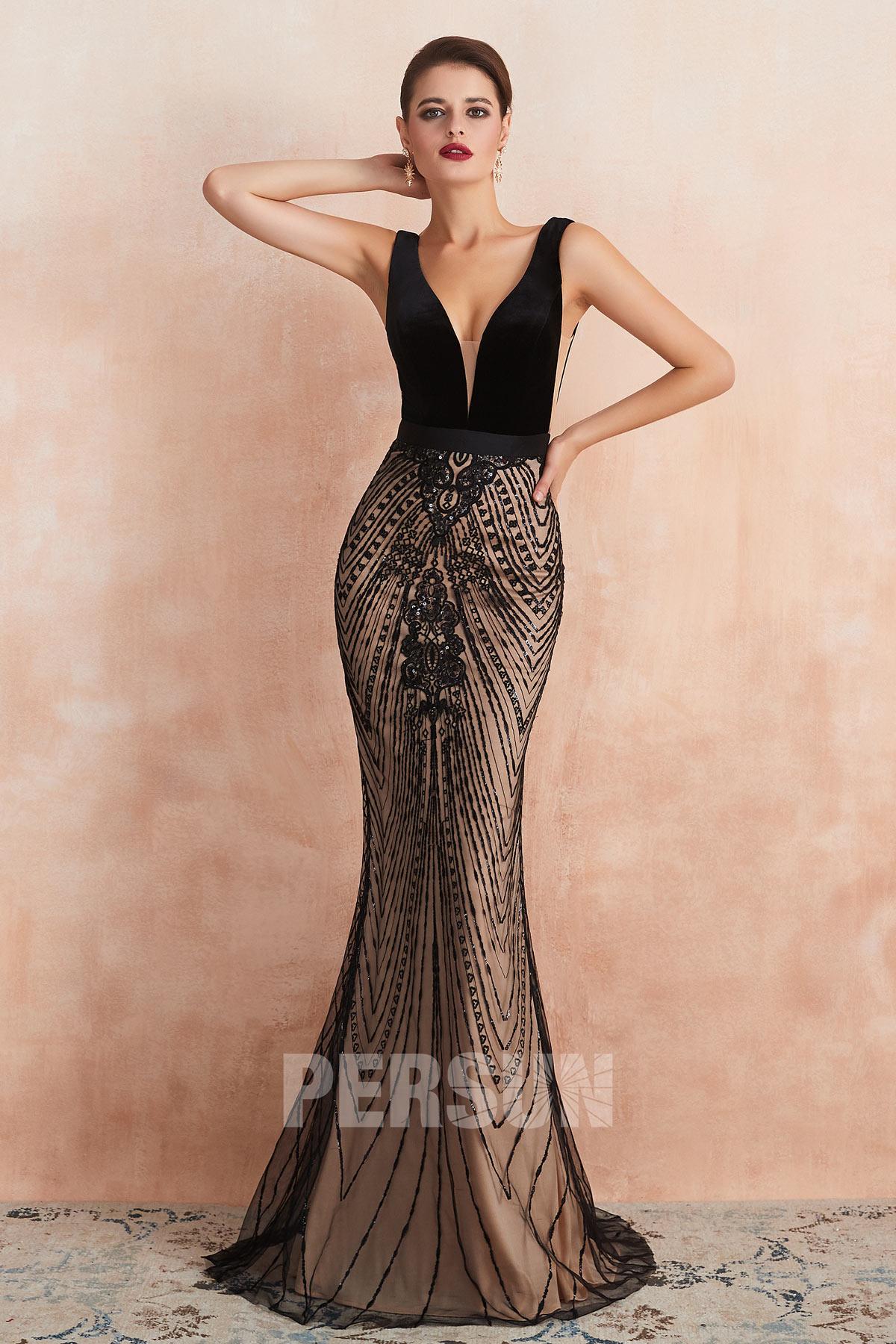 robe de soirée longue sirène noire encolure v plongeant jupe ornée de strass