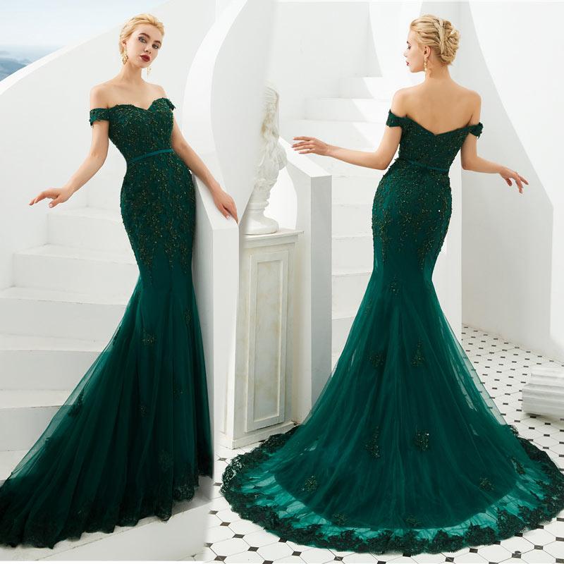 robe de soirée sirène vert foncé appliquée dentelle encolure bardot avec traîne