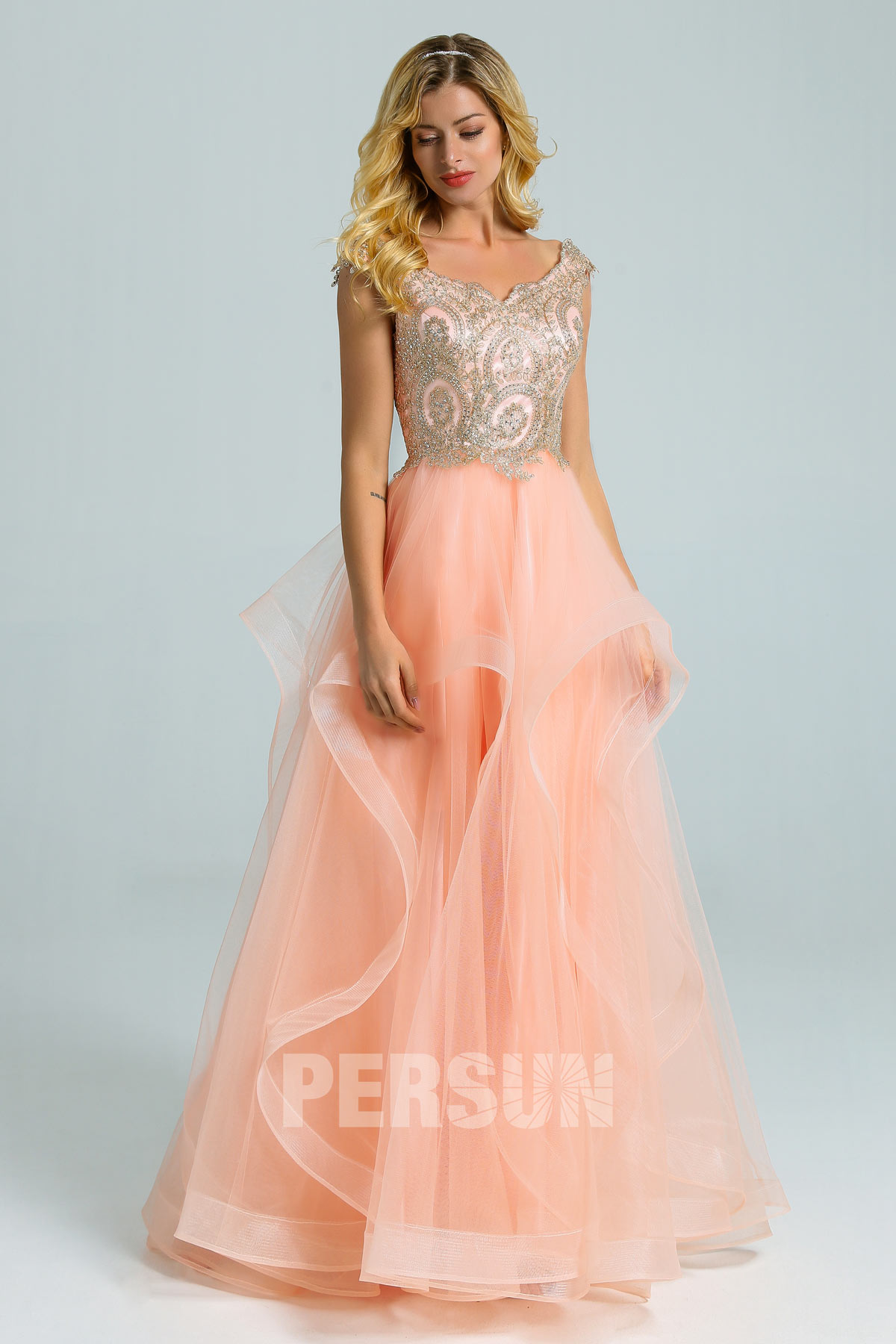 robe soirée princesse pêche clair haut brodé de bijoux à jupe volantée