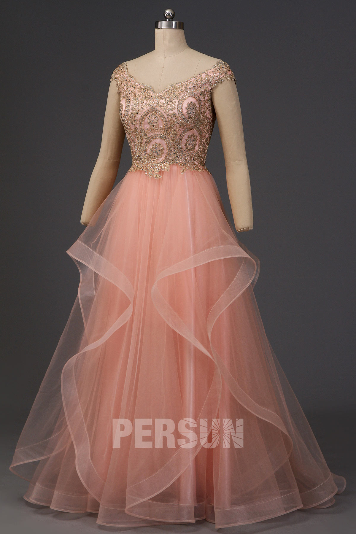 robe de cérémonie princesse rose épaule dégagée haut en strass dorée jupe à volant