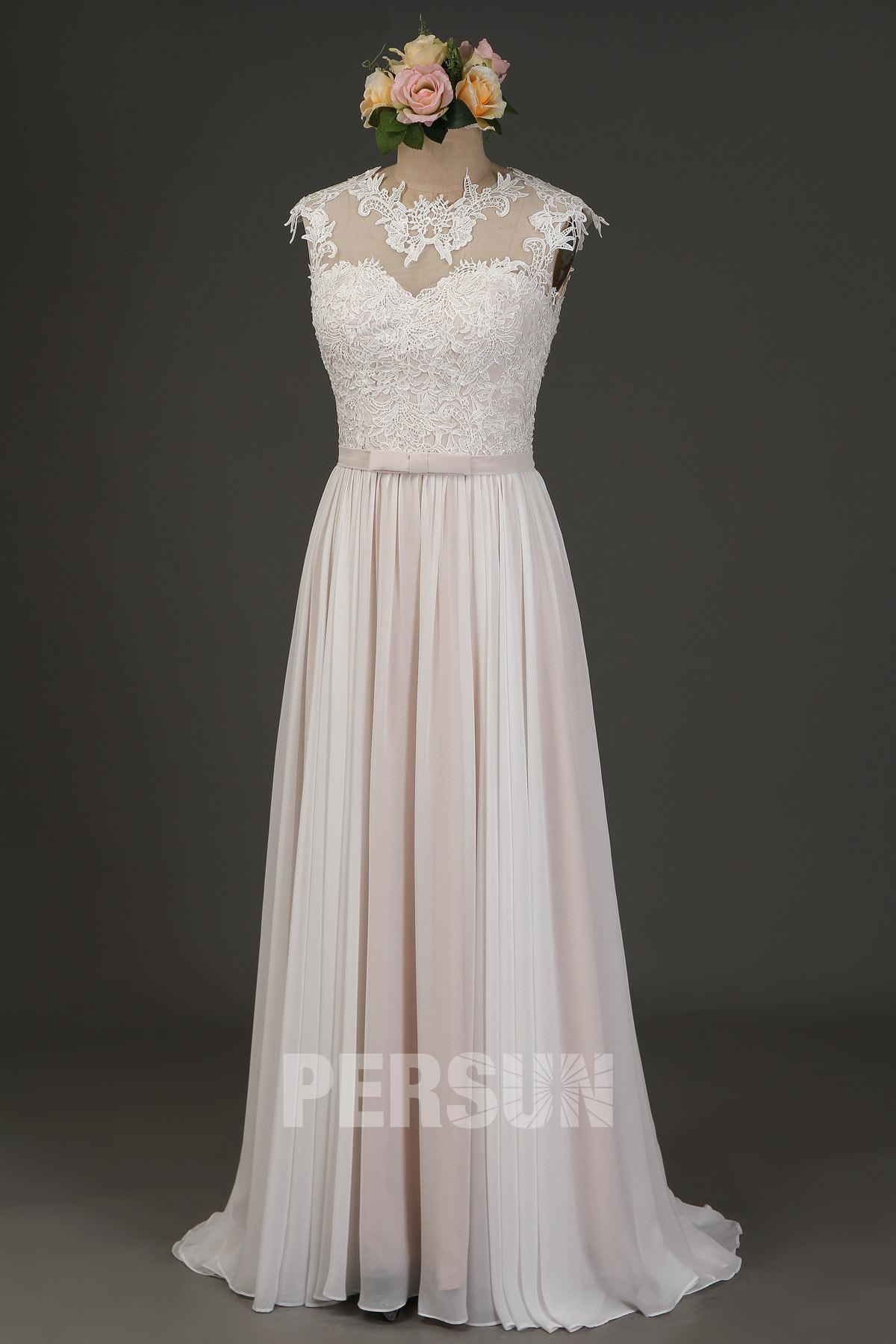 robe de mariée longue romantique ivoire doublure rose pâle haut en dentelle guipure col illusion