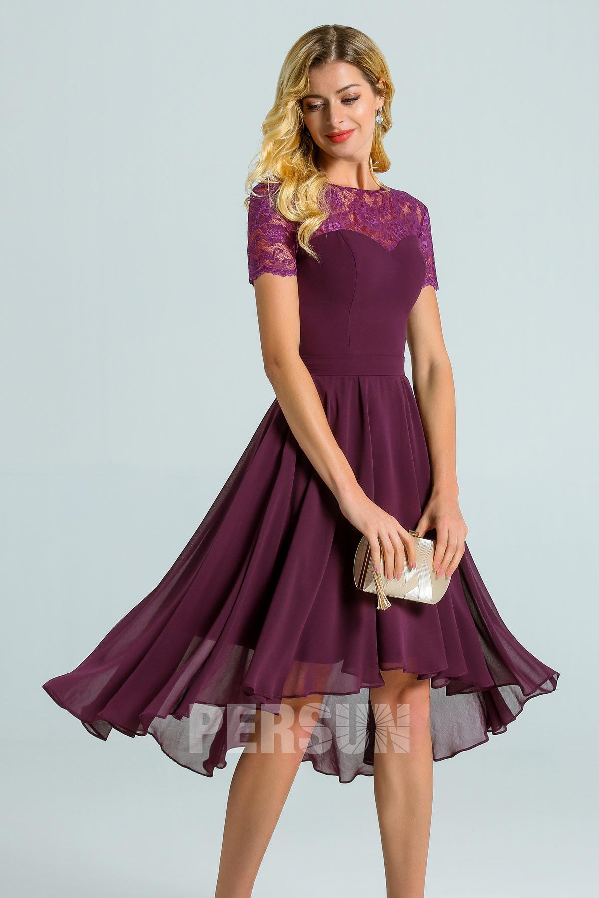 robe de cocktail prune court devant longue derrière col illusion dentelle manche courte