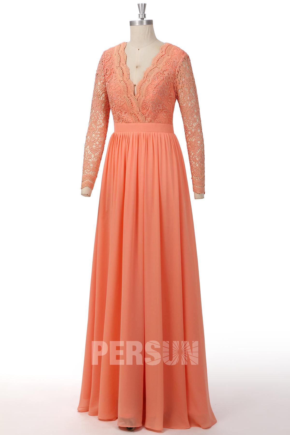 robe de bal longue rose saumon col v plongeant haut en dentelle avec manche longue