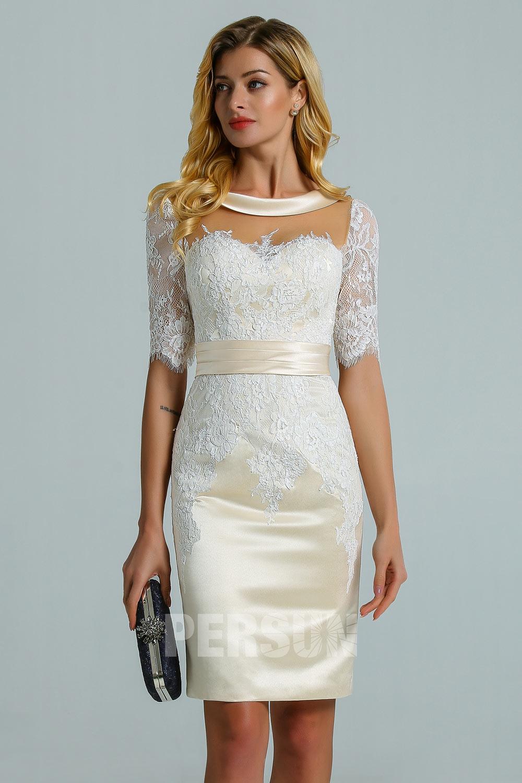 robe de mariée moulante champagne col illusion en dentelle appliquée à manche courte