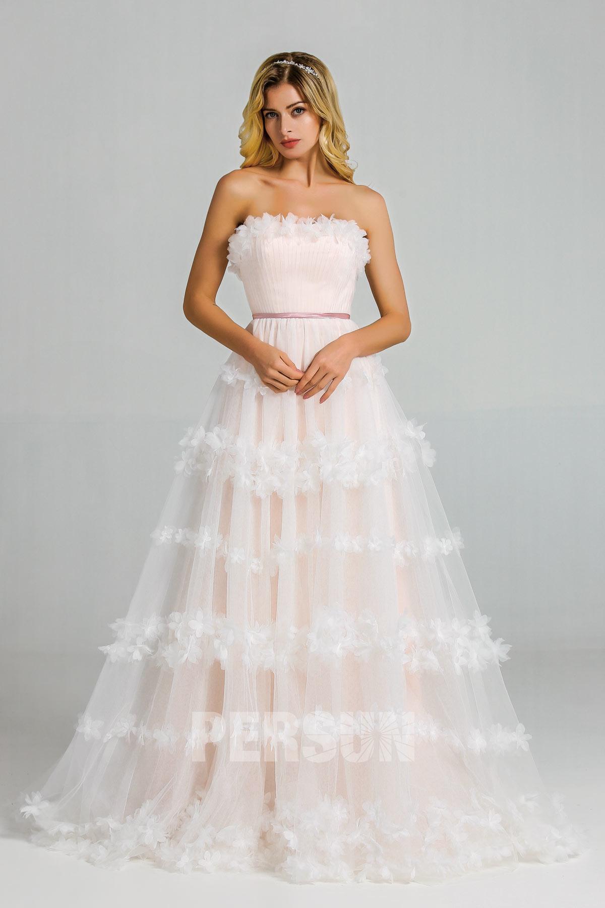 robe de mariée florale doublure rose poudré bustier droit