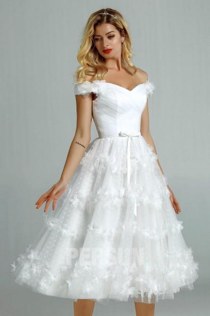 Fiona : Robe de mariée courte plumetis encolure bardot jupe florale 3D