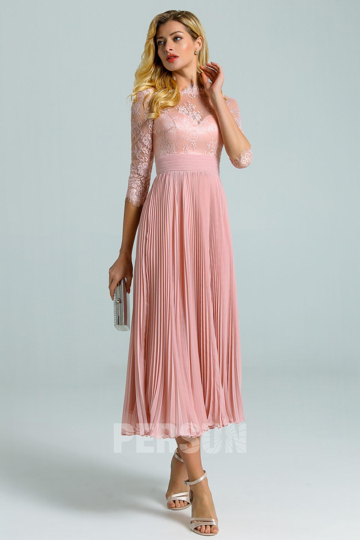 robe de cocktail midi rose chair col illusion dentelle à jupe plissé manches courtes