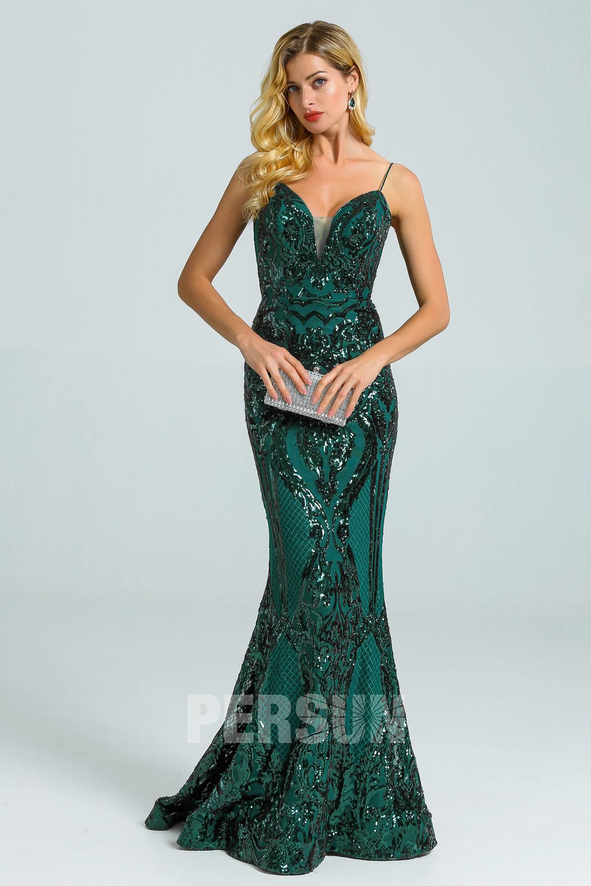 robe de soirée 2020 sirène vert sapin col v ornée de sequins avec bretelle fine