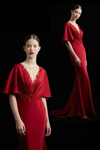 Robe de soirée rouge longue vintage et maquillage naturel