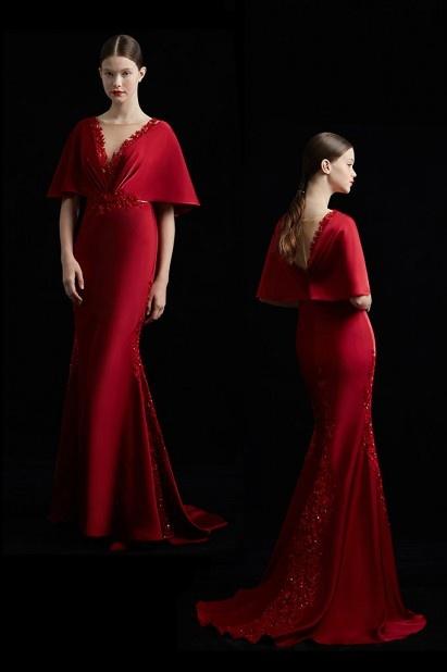 Robe soirée manche évasée rouge soutenu à coupe sirène & traîne ornée de guipure