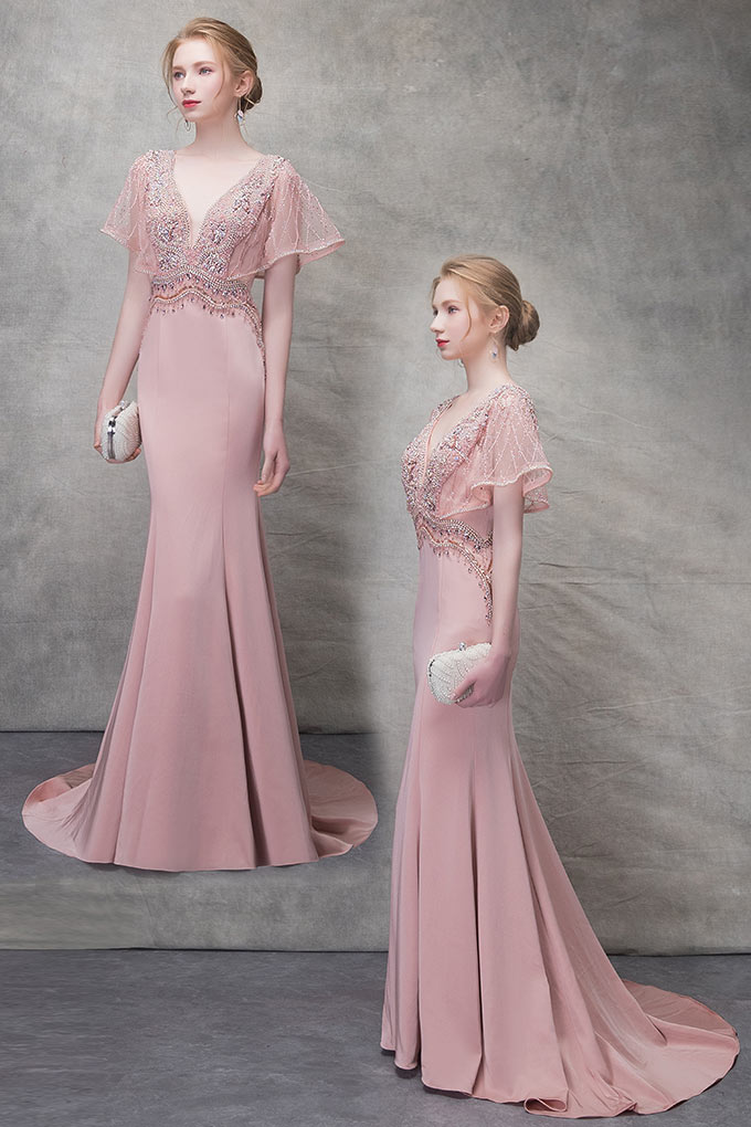 Robe de soirée vieux rose coupe sirène décolleté plongeant à manche évasée