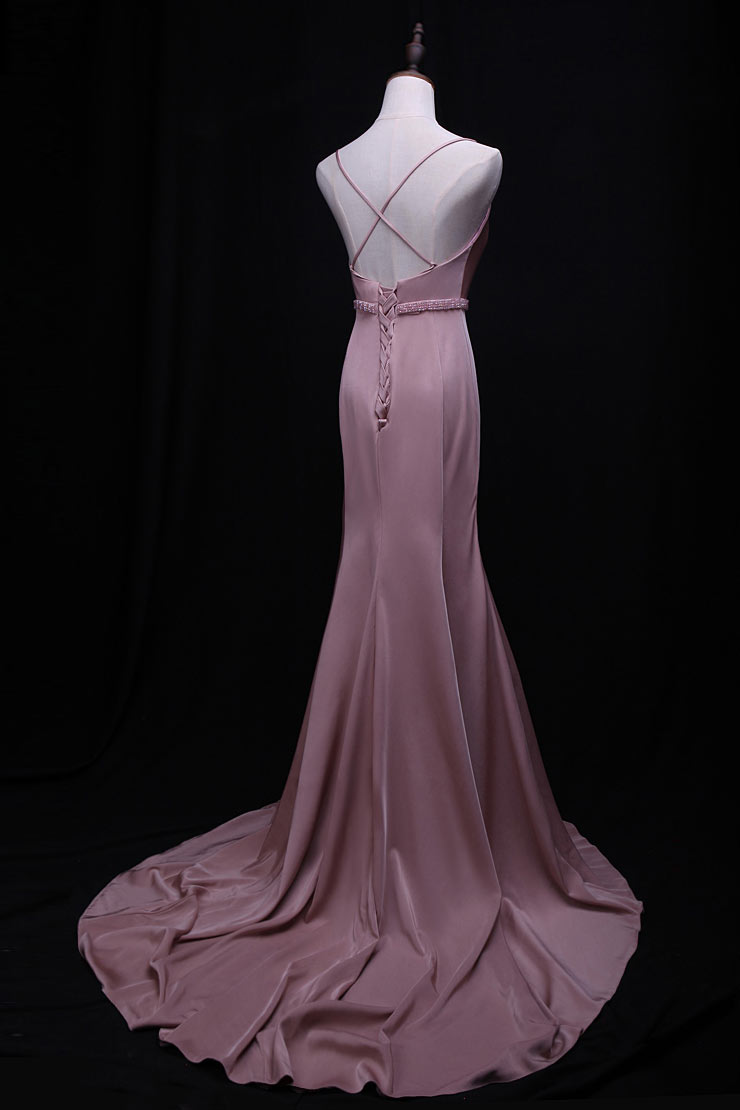 Robe de cérémonie rose nude sirène avec bretelle croisée dans le dos