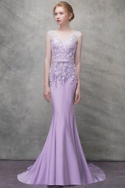 robe de soirée sirène violette à haut appliqué de dentelle