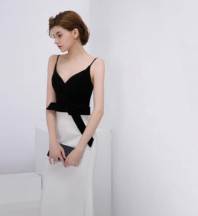 robe De soirée noire & blanche sirène col en V avec bretelle fine
